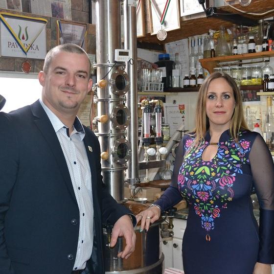 Az illatok és zamatok különleges világába vezetett be perkátai műhelyében Pavlicsek Csaba