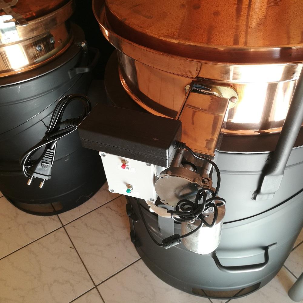 Keverőmotor hálózati adapterrel (OPCIONÁLIS)